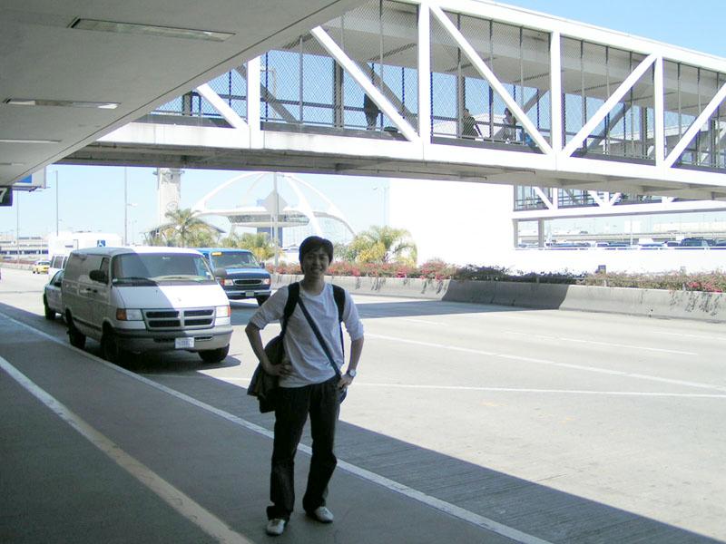 LA 국제공항에서