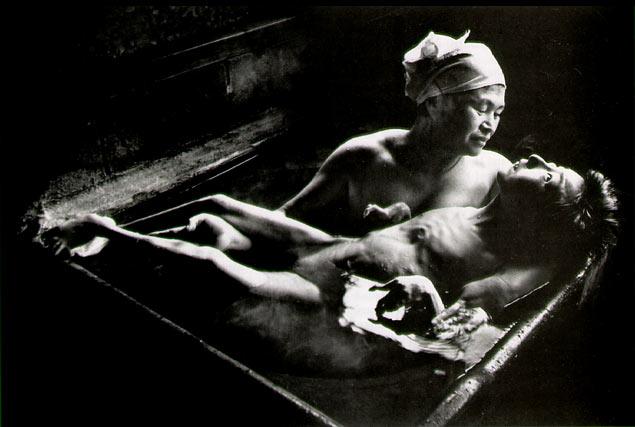 Tomoko Uemura in Her Bath Minamata (1972)