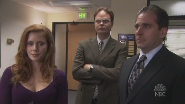 핸드백 아가씨에게 관심갖는 마이클과 드와이트