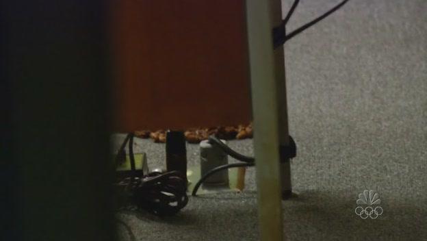 마이클 사무실에 똥 한무더기