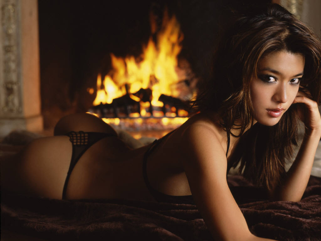 Who do you think is the hottest female celeb? - GirlsAskGuys