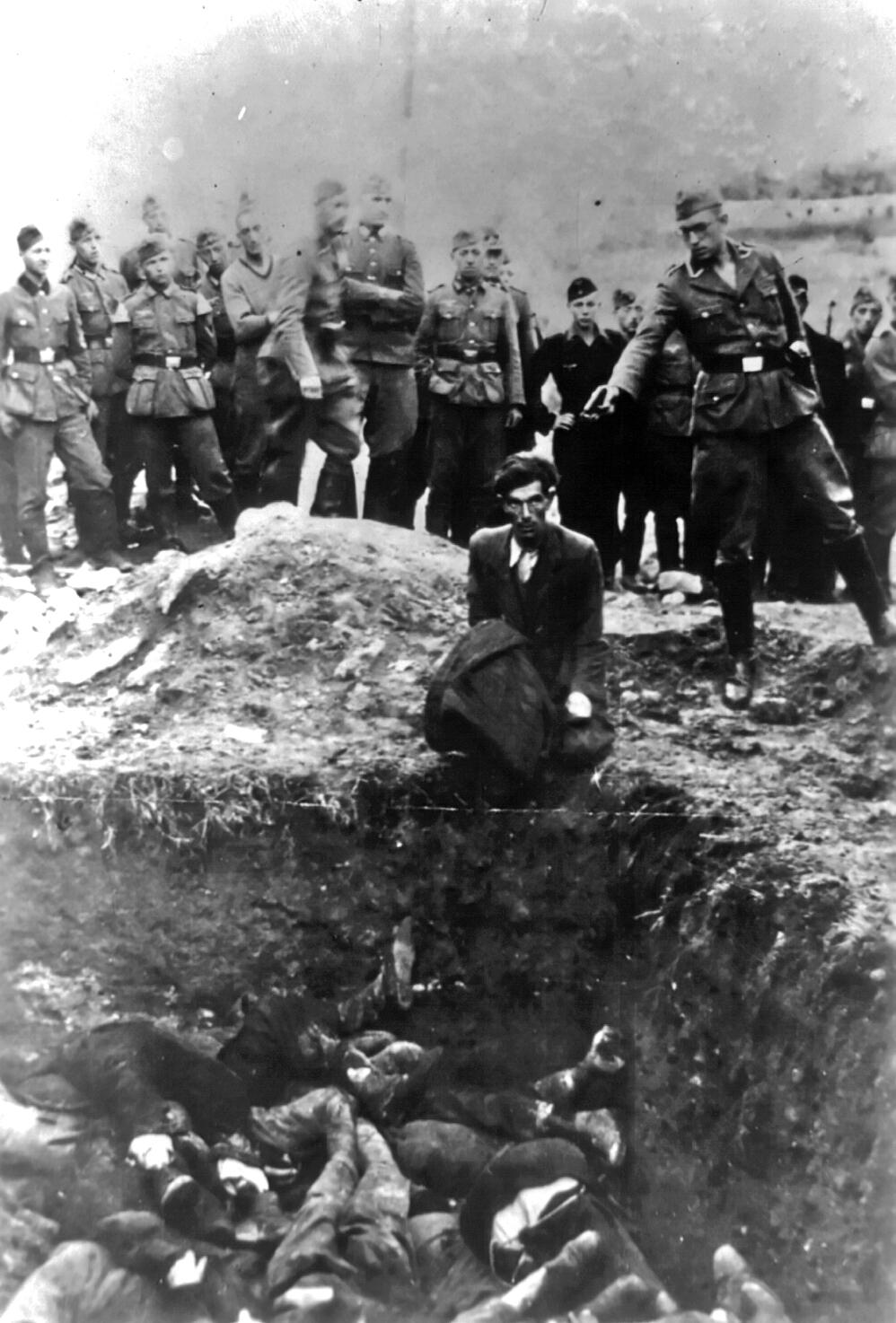 Ucrania en la 2° GM (crimenes de guerra de Bandera y las SS) Download